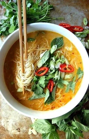spicy thai curry noodle soup sulia.com